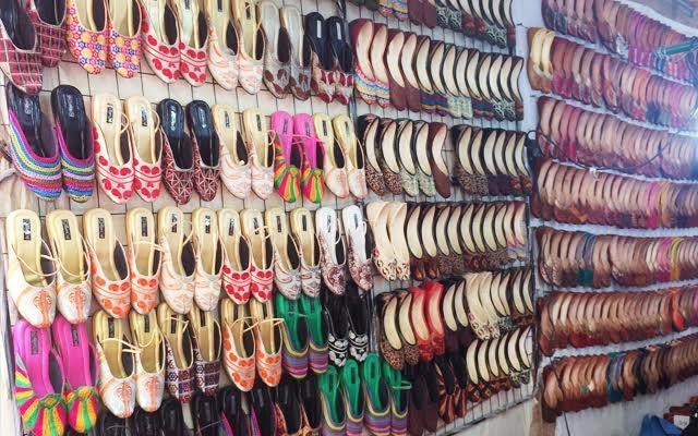 Shops to Buy Punjabi Jutti in Delhi